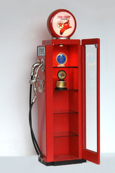 GAS PUMP CABINET (Red) 7FT