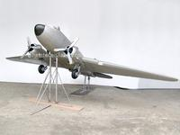 DC-3 MODEL AIRPLANE